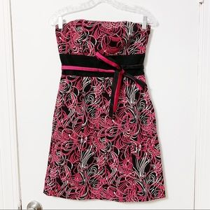 Black and pink strapless dress